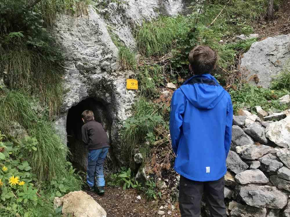 Von Stollen zu Stollen wandern mit Kindern - einmalig in Kärnten!