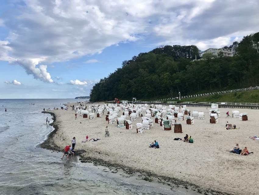 Strand Sellin - viel feiner Sand im Ostseebad