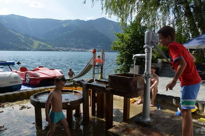 Familienurlaub am See - mit Wasserspielplatz und Badestrand