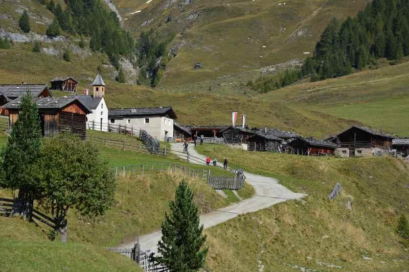 Zählt für mich zu den schönsten Südtirol Wanderungen mit Kinderwagen: Zur Fane Alm