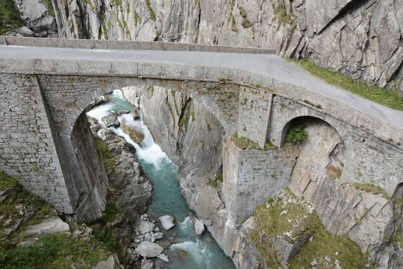 Die Teufelsbrücke bei Andermatt in der Schöllenenschlucht