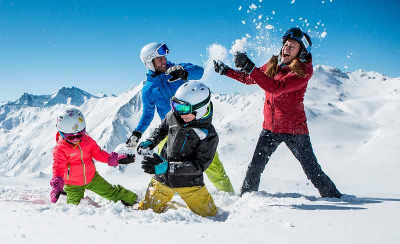 In Tirol skifahren mit Kindern, Spaß im Kinderskigebiet, FotoDanielZangerl.com