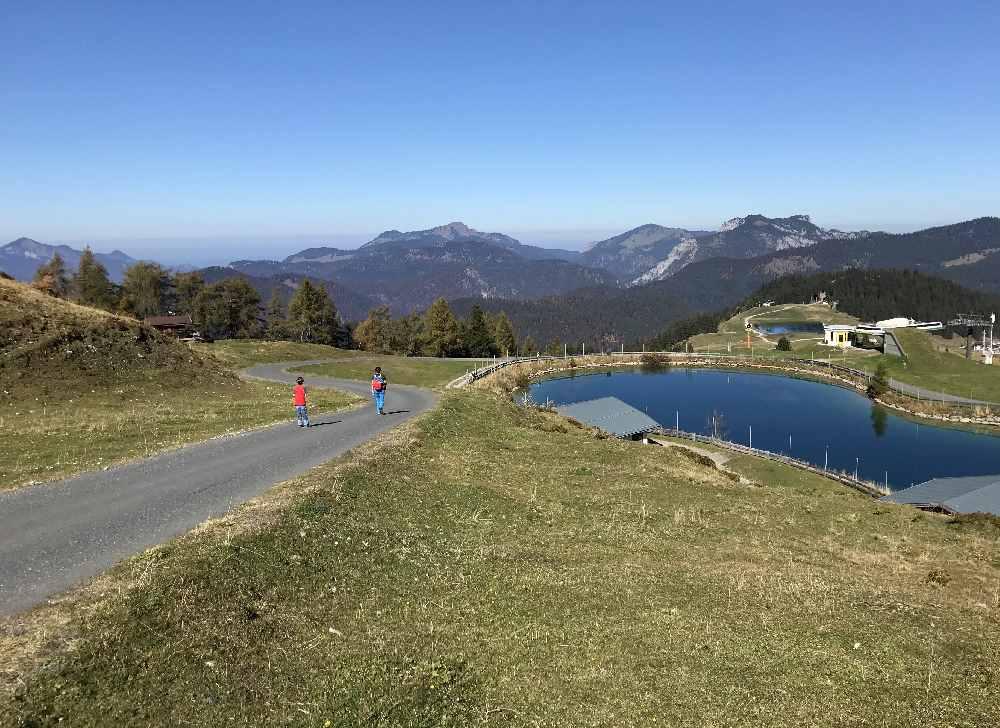 Die Steinplatte in Tirol bietet beste Aussicht auf die Berge rundherum!