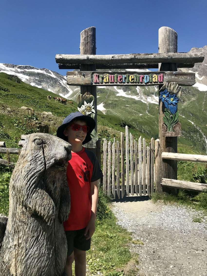 Wandern Salzburg mit Kindern: Auf dem Kräuterlehrpfad bei den Hochgebirgsstauseen Kaprun