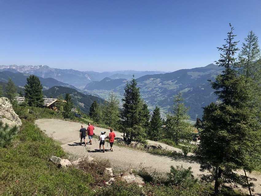 Wandern mit Kinderwagen Zillertal: Leichter Weg und sehr aussichtsreich! Ideal wandern mit Kinderwagen Zillertal