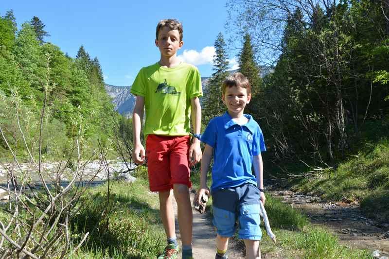 Wanderurlaub mit Kindern kann auch den Kleinen Spaß machen - wenn die Eltern den Familienurlaub richtig planen