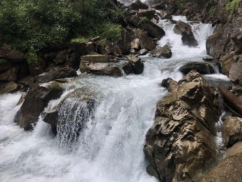 Wasserfall Heiligenblut: Entlang des Wassers wandern und die Naturgewalt bewundern