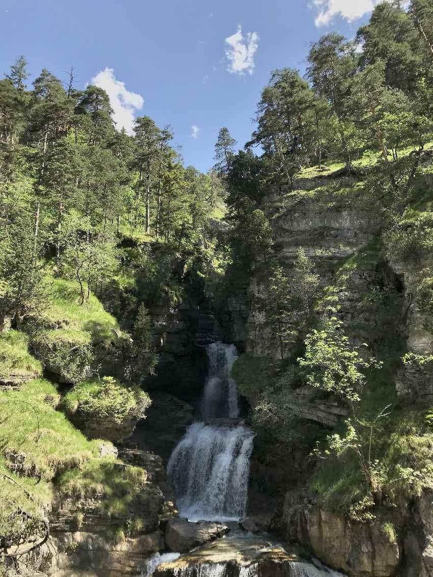 Wasserfälle Bayern - gehören zu unseren Schatten und Hitze Ausflugszielen dazu. Wir zeigen die Besten!
