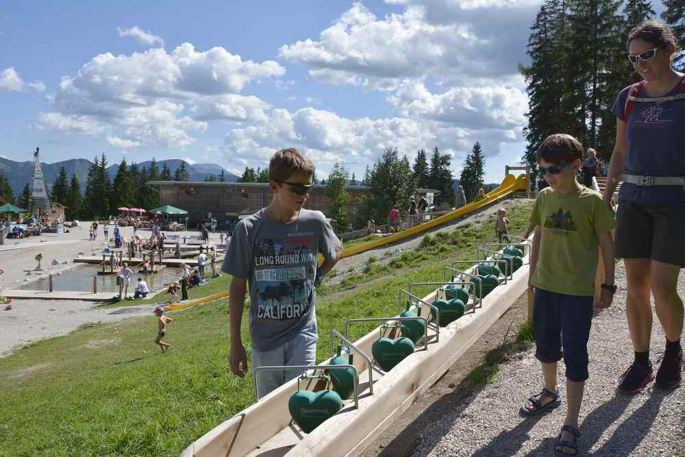 Die Kugelbahn auf der Bürgeralpe mit dem Wasserspielplatz beim Kristallsee