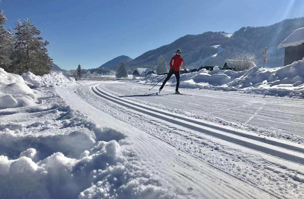 Langlaufen Kärnten: Skating oder klassisch langlaufen? Am Weissensee geht beides gut im Familienurlaub