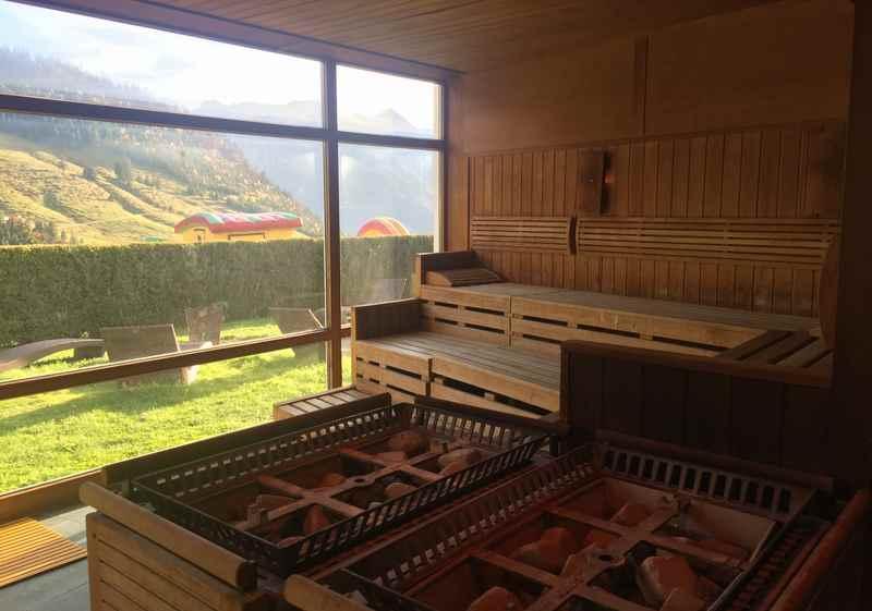 Luxus Familienhotel Deutschland mit Bergblick in der Sauna
