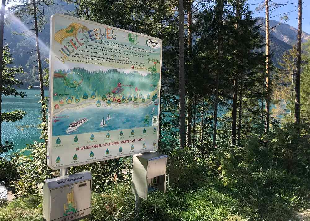 Für größere Kinder ist das ein Themenweg: Der Wuselweg am Achensee
