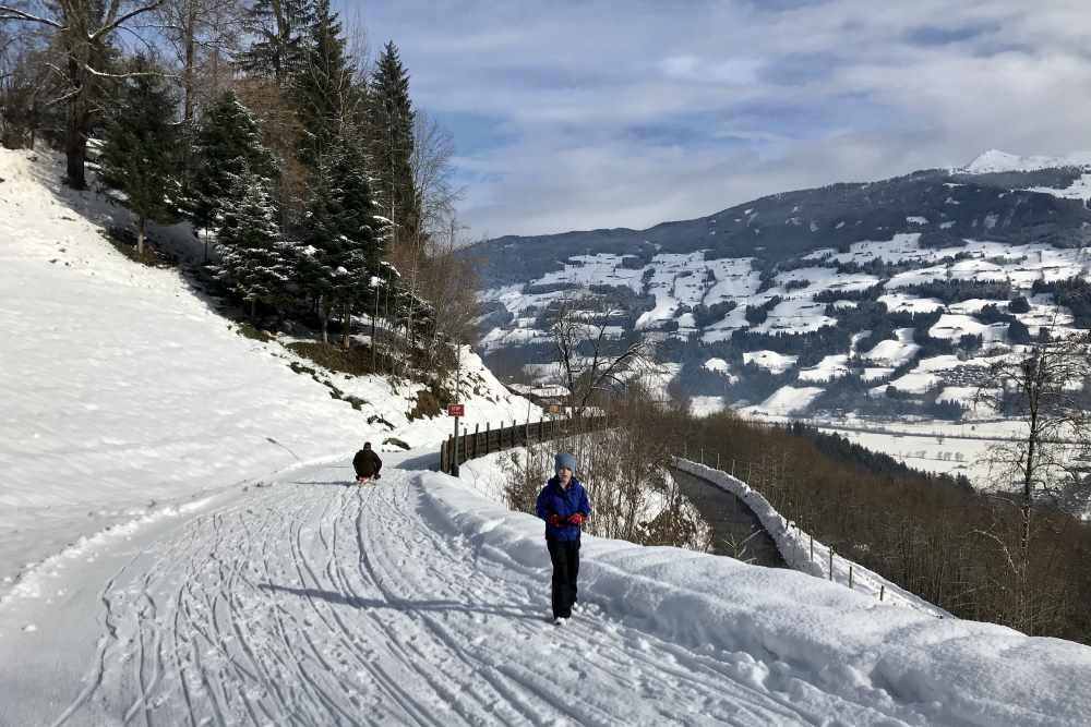 Rodeln Tirol: Im Zillertal auf der Rodelbahn in Fügen