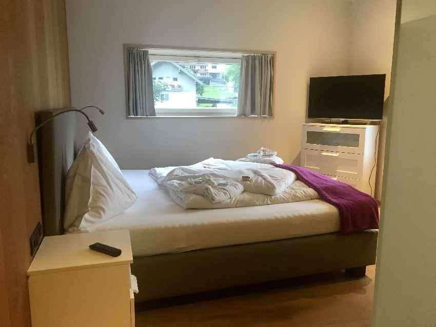Hotel Lün: Der Blick in eines der Zimmer