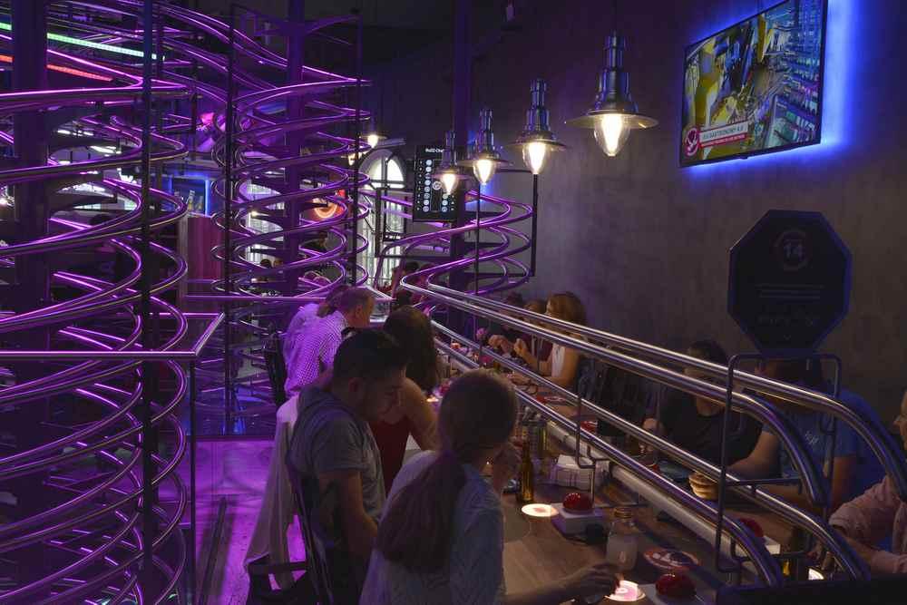Rollercoaster Restaurant Wien:  Für uns das außergewöhnlichste Lokal in Wien