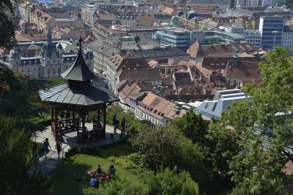 Was sind die 5 schönsten Plätze in Graz mit Kindern? Wir zeigen sie euch für einen Städteurlaub mit Kindern.