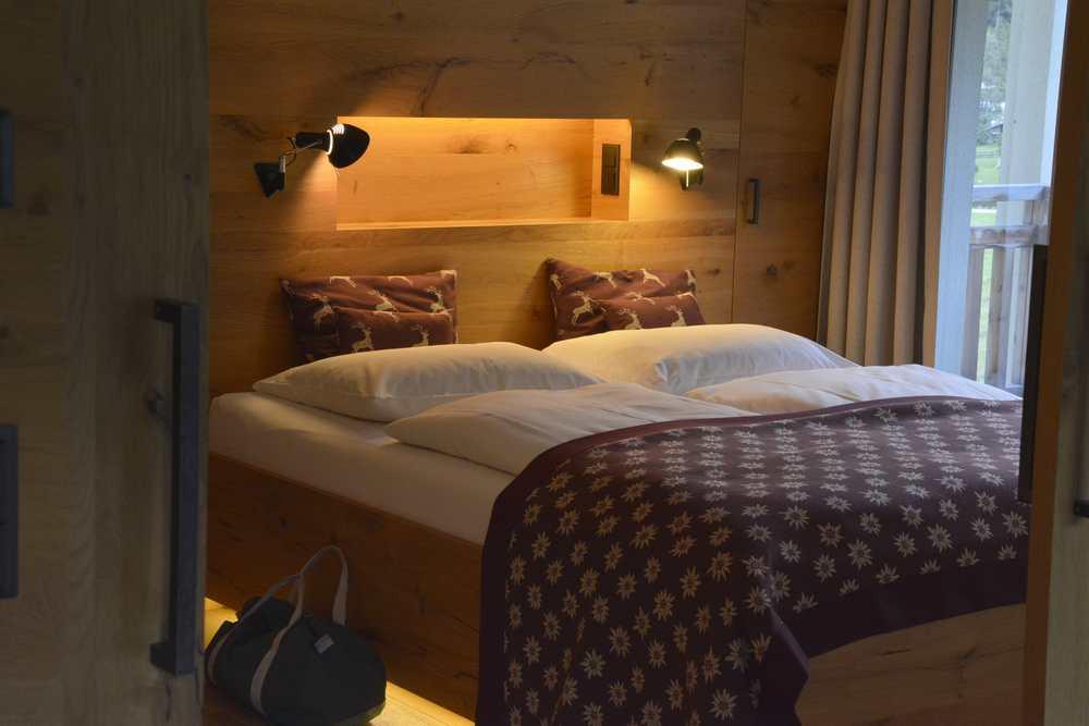 Die geschmackvoll eingerichteten Schlafzimmer in der Familiensuite