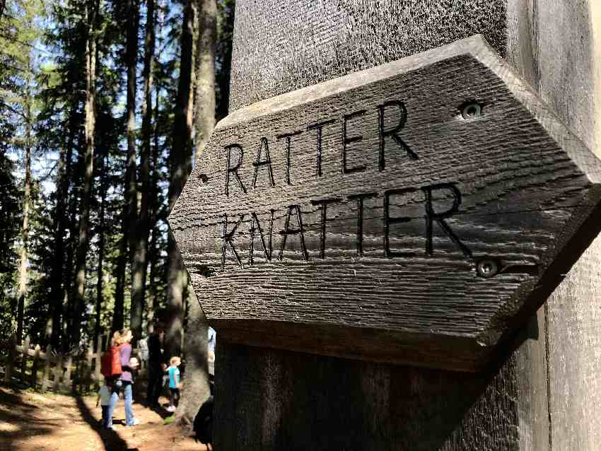 """Jeder der Bahnen hat einen Namen - am coolsten finden wir """"Ratter Knatter"""""""