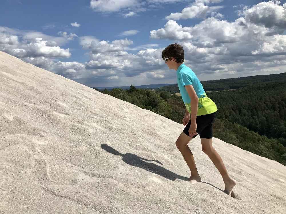 Steil ist es am größten Sandberg in Europa