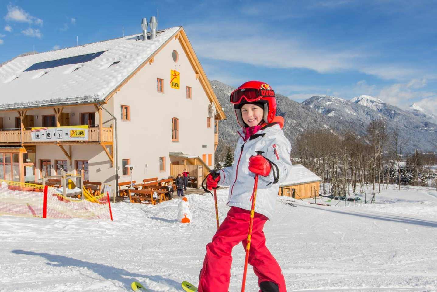 Skihotel an der Piste und kostenloser Skipass für die ganze Familie
