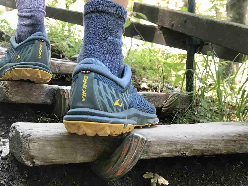Nur mit guten Wanderschuhen - samt griffigem Profil zur Klammwanderung mit Kindern!