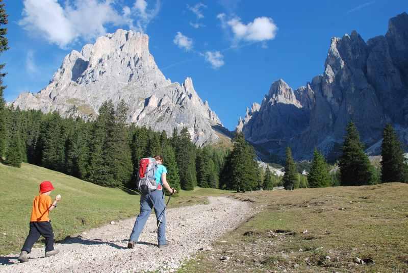 Wandern in den Bergen mit Kindern