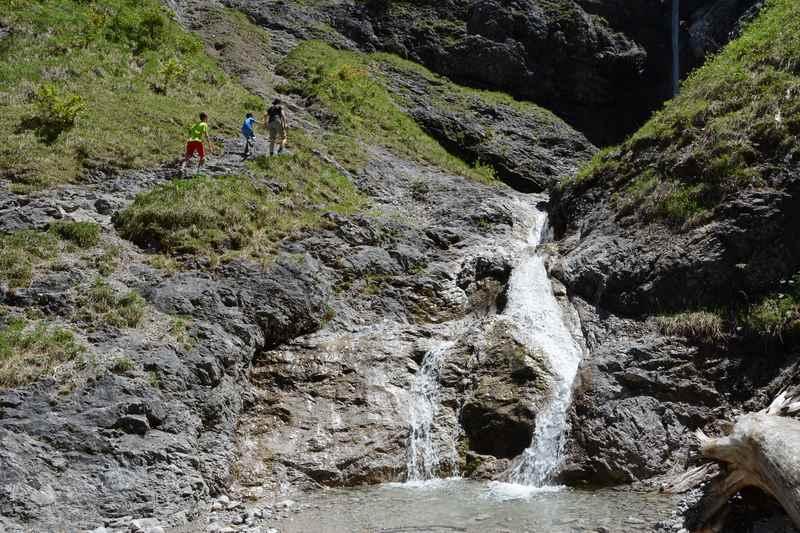 Und dann haben wir den Wasserfall in der kleinen Wolfsschlucht erreicht