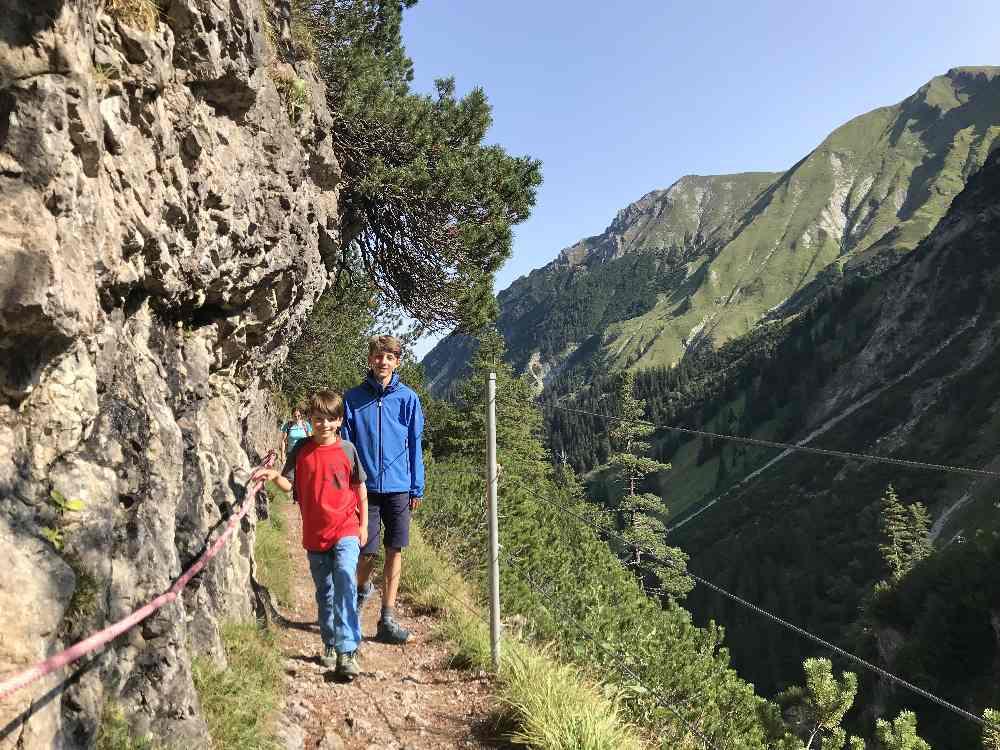 Die schmale Stelle - Bergabenteuer für die Kinder im Familienurlaub