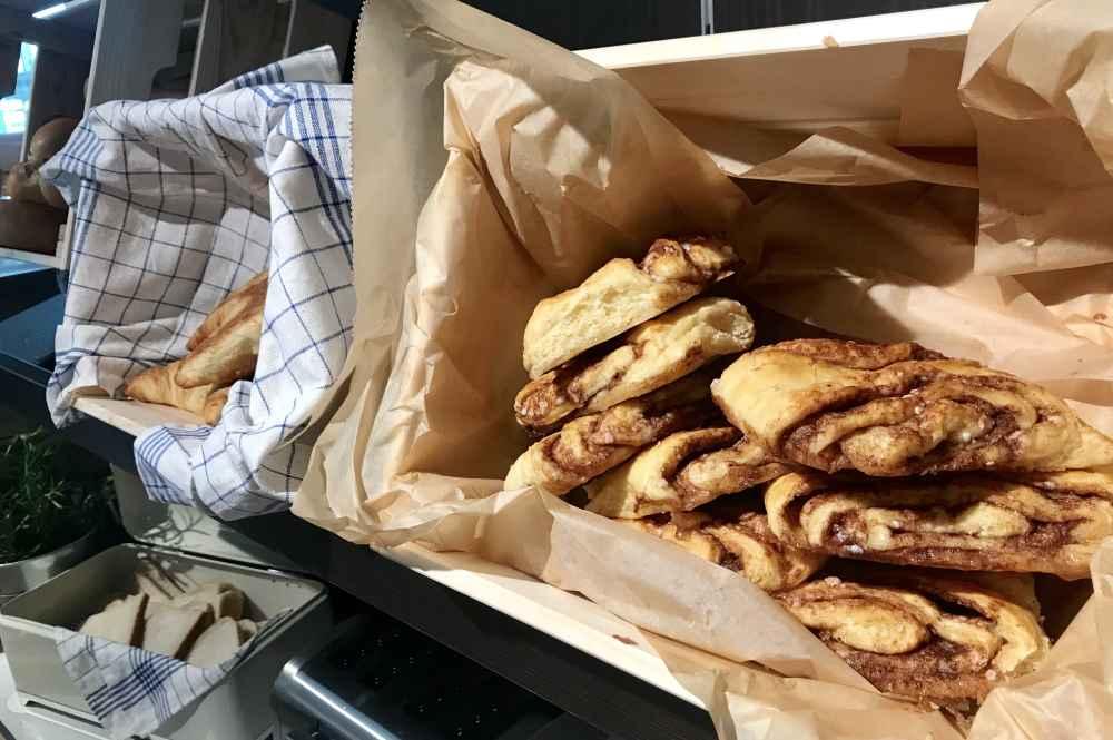 Für Schleckermäuler gibt es original Hamburger Gebäck: Das Franzbrötchen, schmeckt ähnlich gut wie Zimtschnecken