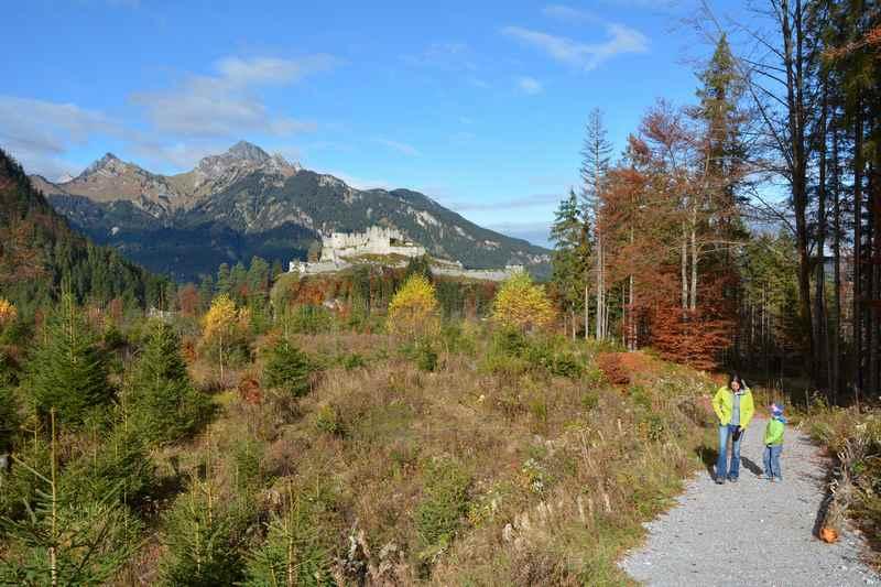 Von Burg Ehrenberg zum Fort Claudia wandern mit Kindern