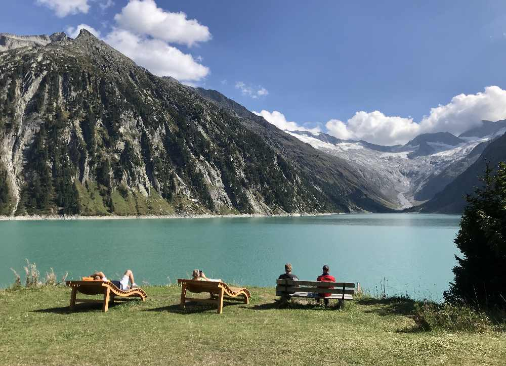 Diese tolle Kinderwagen - Wanderung mit Blick auf den Gletscher kannst du in Tirol machen