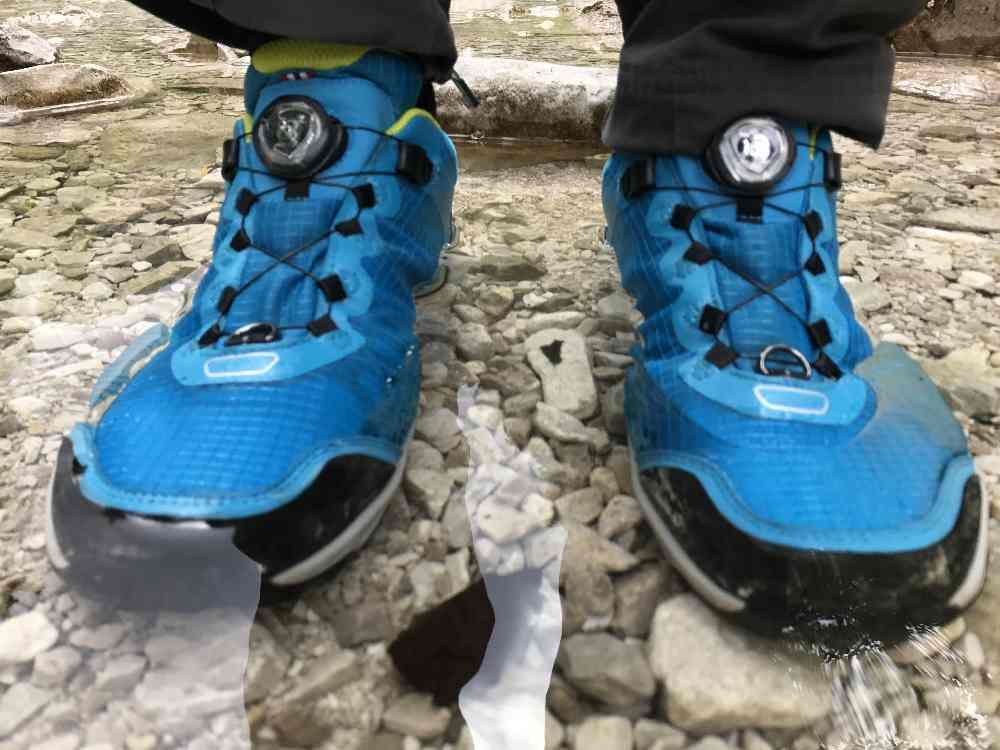 Wir brauchen wasserdichte Wanderschuhe für Kinder - auf vielen Wegen geht´s mal kurz durch den Bach - die Viking Schuhe haben dicht gehalten