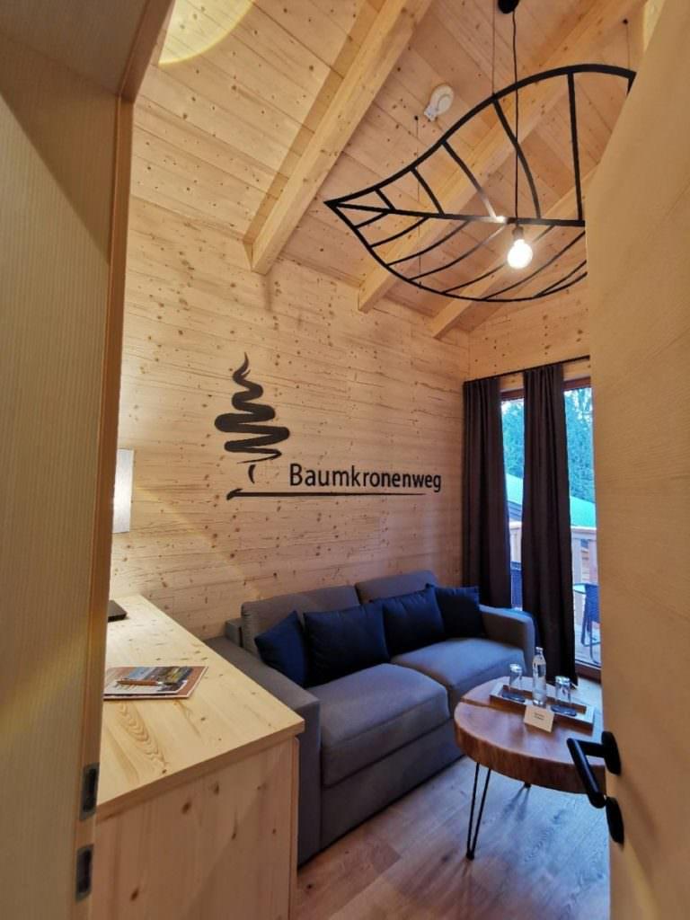 Blick ins neue Baumhaushotel Österreich am Baumkronenweg Kopfing