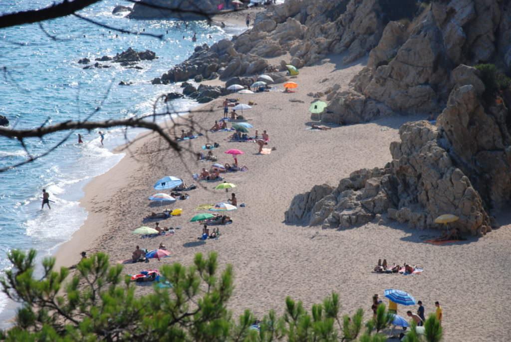 Calella Strand - eine Bucht weiter vom großen Sandstrand