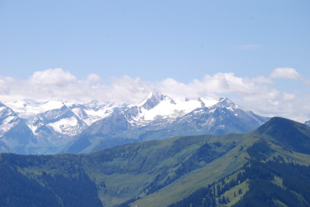 Leogang wandern mit Kindern - Ausbick zum Kitzsteinhorn mit Gletscher