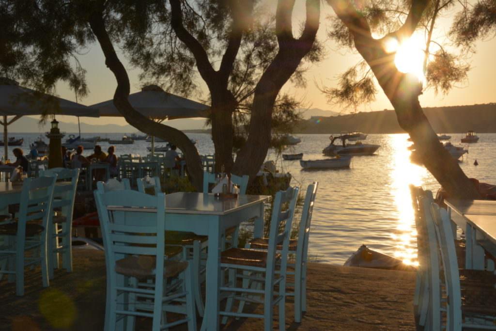 Paros Griechenland Aliki - Sonnenuntergang im Hafen