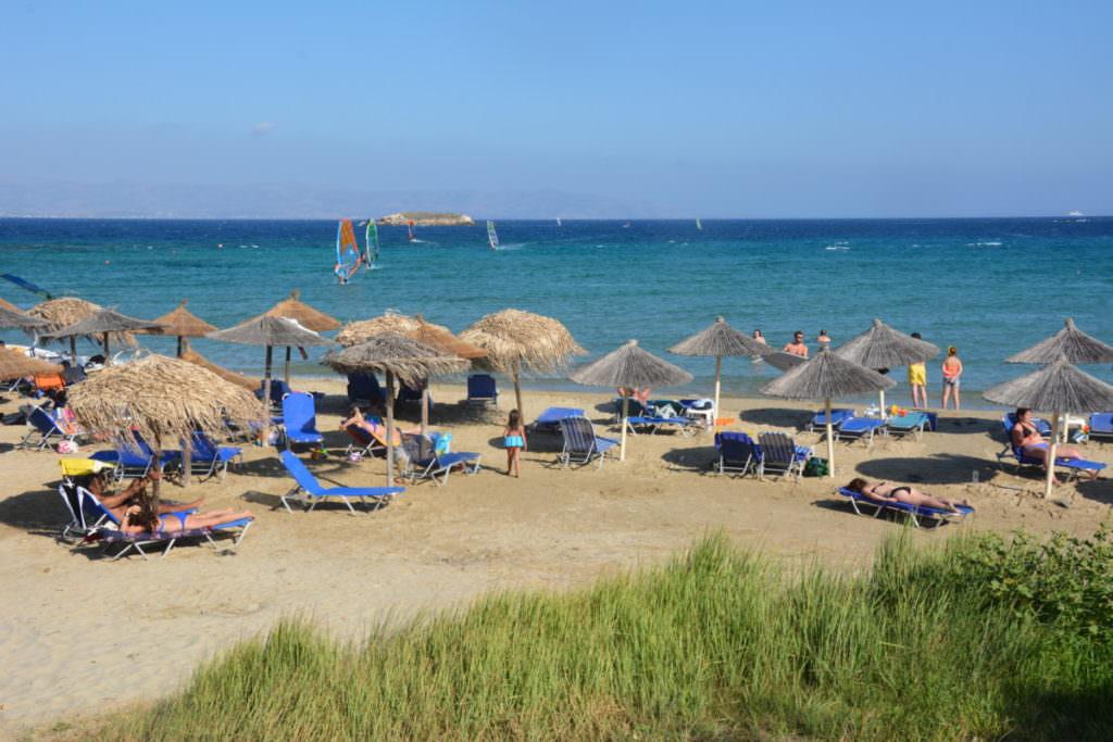 """Der """"Surferstrand"""": Golden Beach in Paros Griechenland"""