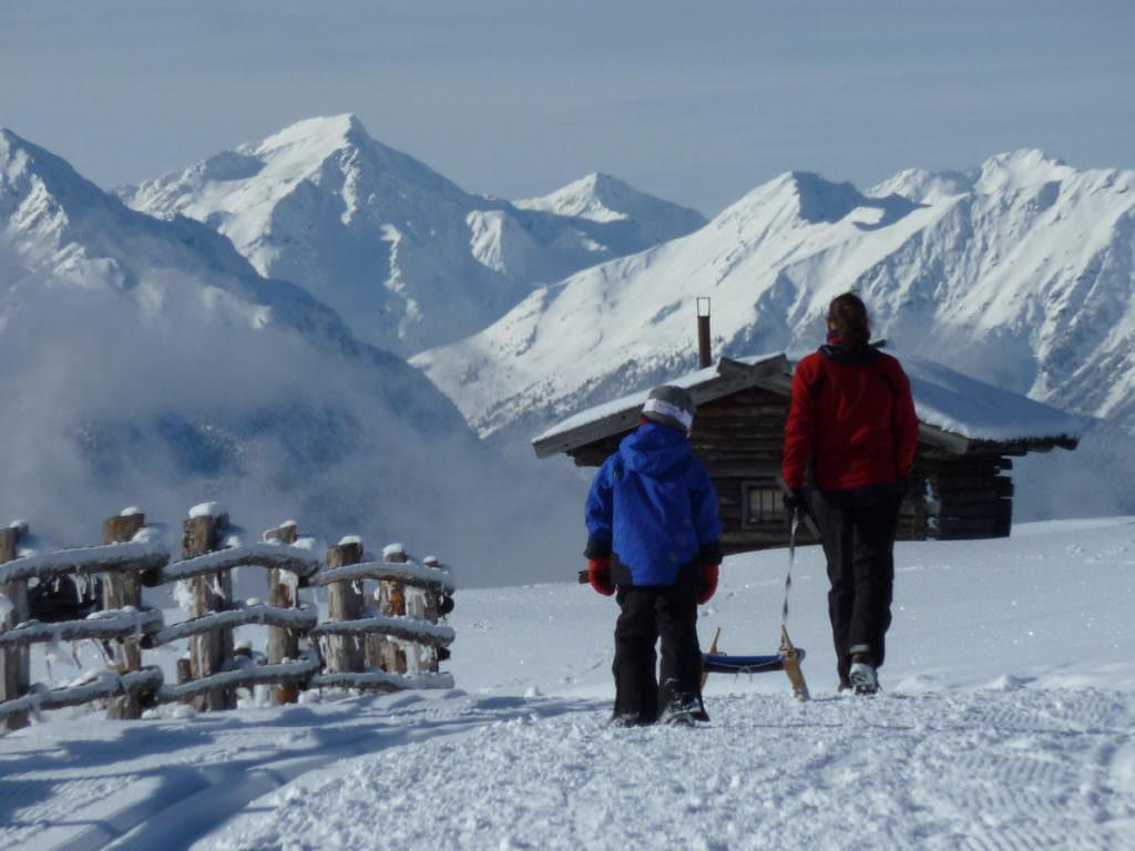Rodeln Südtirol - die Lüsner Alm im Winter