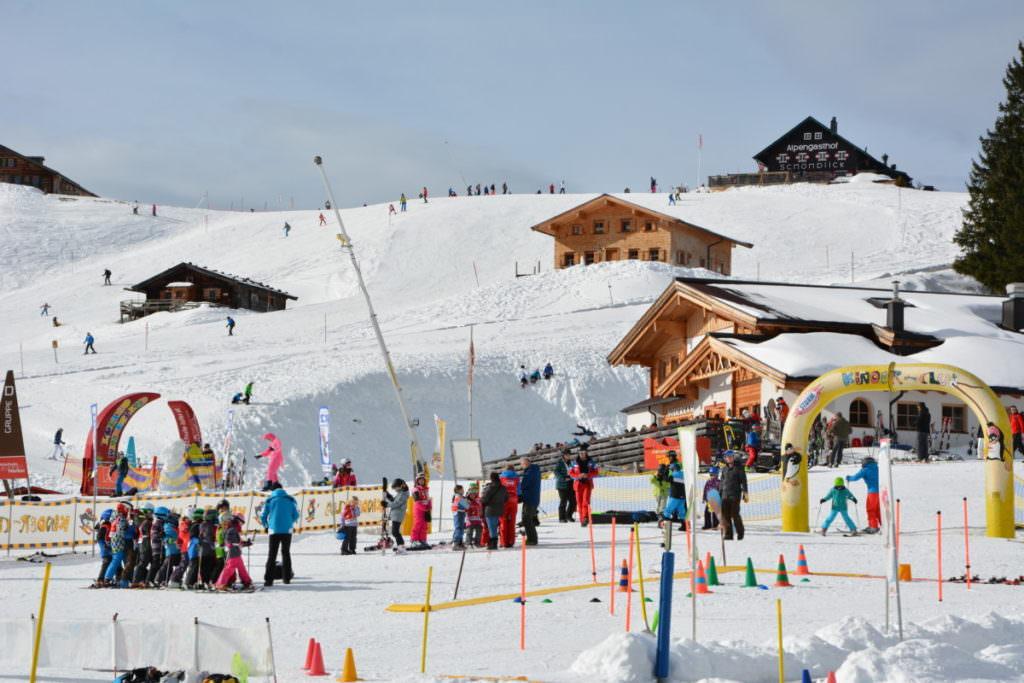 Das Ski - Übungsgelände mit den Almen in der Skialm Lofer