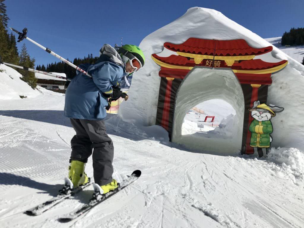 Skifahren mit Kindern Österreich - das neue Kinderland der Planai
