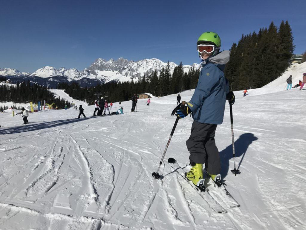 Auf der Planai skifahren mit Kindern in Österreich - eines der größten Skigebiete und gleichzeitig sehr familienfreundlich!
