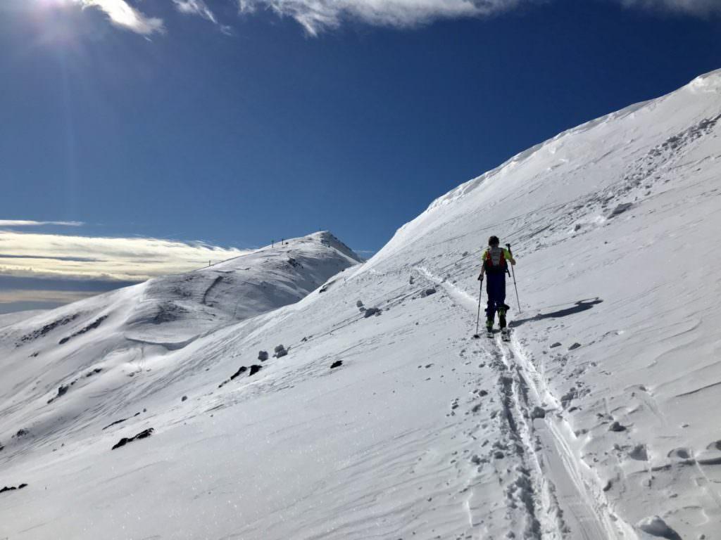 Skitour mit Kindern - in der Spur Richtung Gipfel