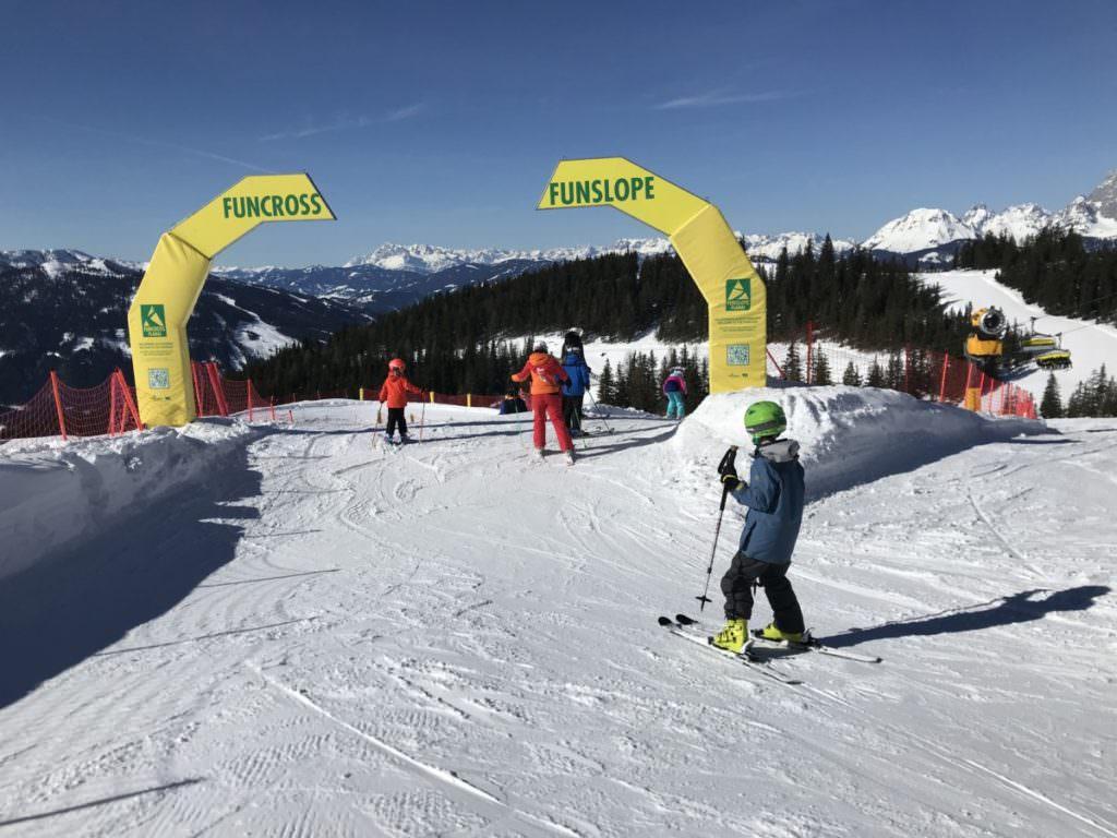 Der Snowpark im Skigebiet Planai - hinein ins Skiabenteuer für Kids