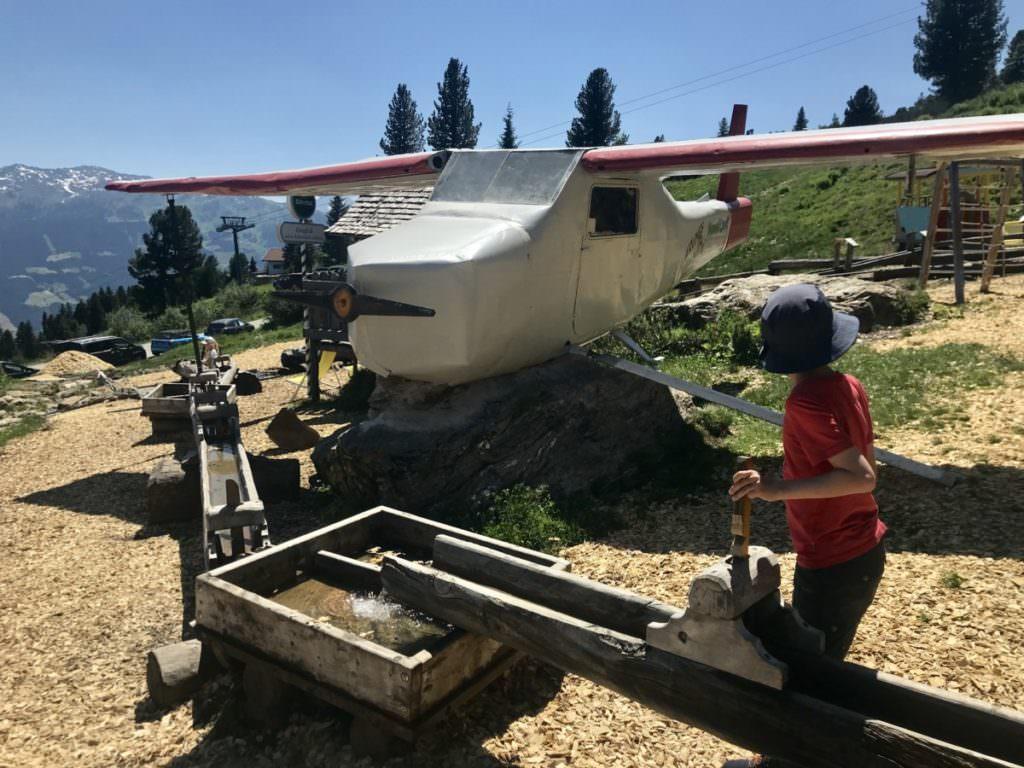 Spielplatz Zillertal - das Murmelland, mit Flugzeug, Wasserspielplatz, Streichelzoo und echten Murmeltieren