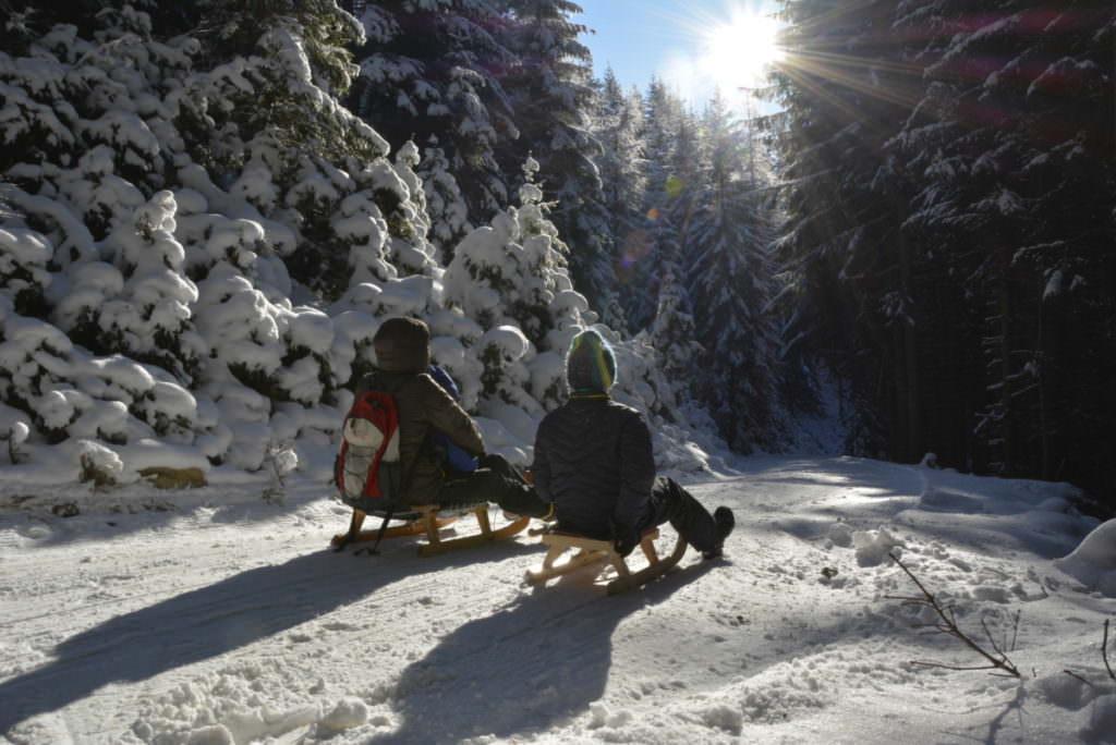 Wir geniessen es und zeigen dir die besten Rodelbahnen in Tirol