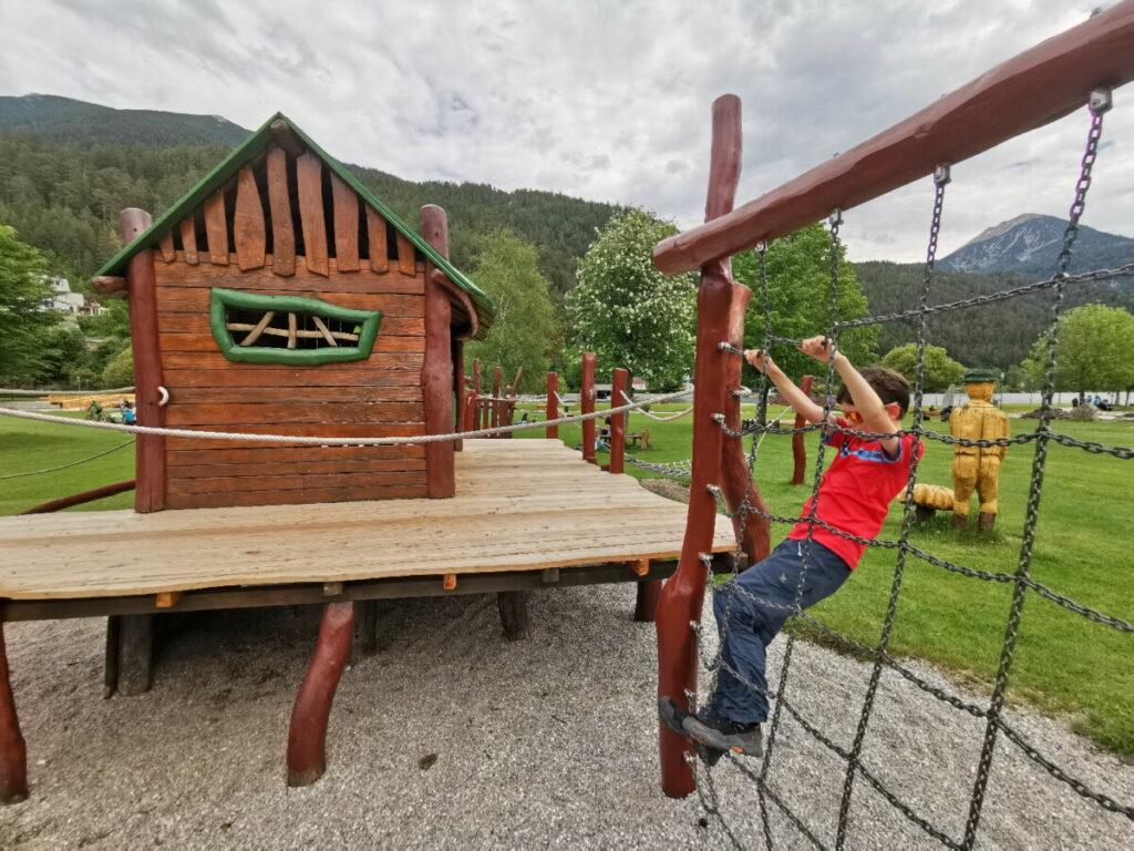 Mit der Achensee Schifffahrt zu diesem Spielplatz in Achenkirch