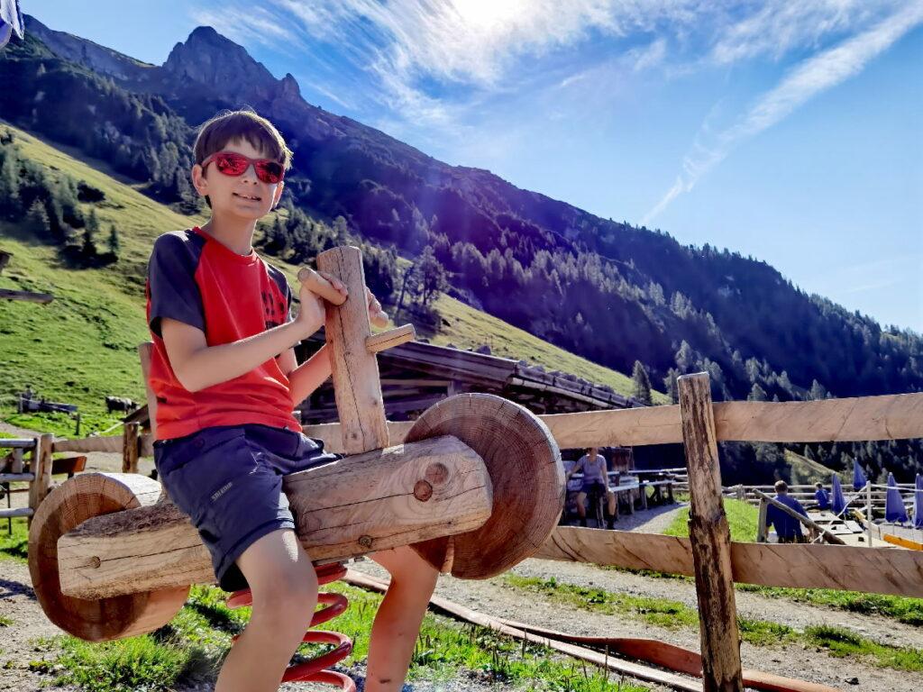 Zur Dalfazalm am Achensee wandern mit Kindern - mit Spielplatz