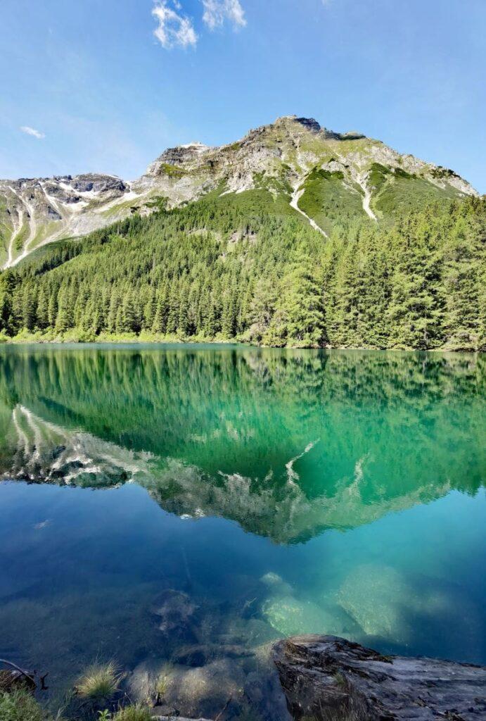 Naturdenkmal oberhalb von Almi´s Berghotel: Der Obernberger See