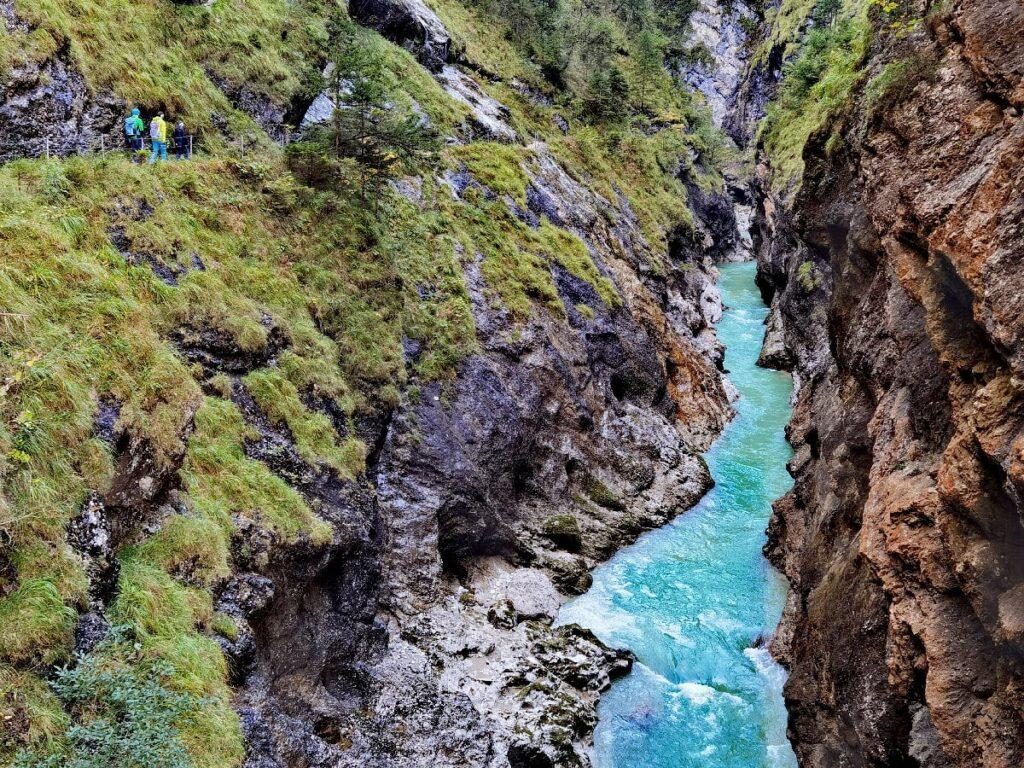 Berauschend schön wandern im Alpbachtal mit Kindern - durch die Tiefenbachklamm