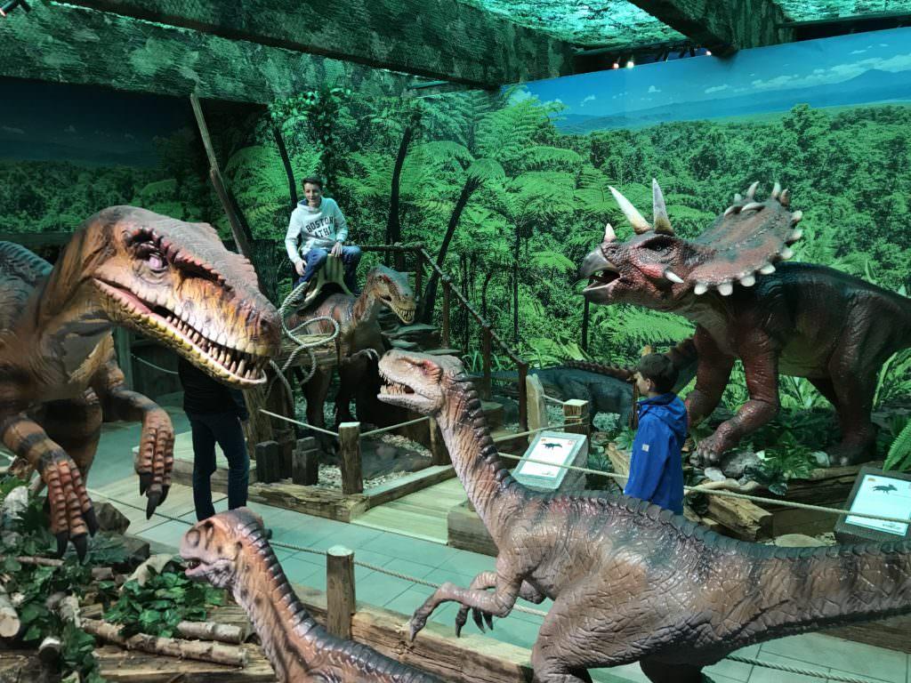 Ausflugsziele mit Kindern Ostern - bei jedem Wetter ins Dinoland